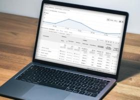 UTM-Parameter: Definition, Google Analytics für E-Commerce, Youtube, Facebook & Co. + Beispiel